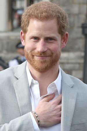 Príncipe Harry conta que recebe ajuda de Orlando Bloom para fugir de paparazzis
