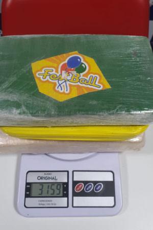 Polícia encontra tabletes de cocaína em barco no interior do AM