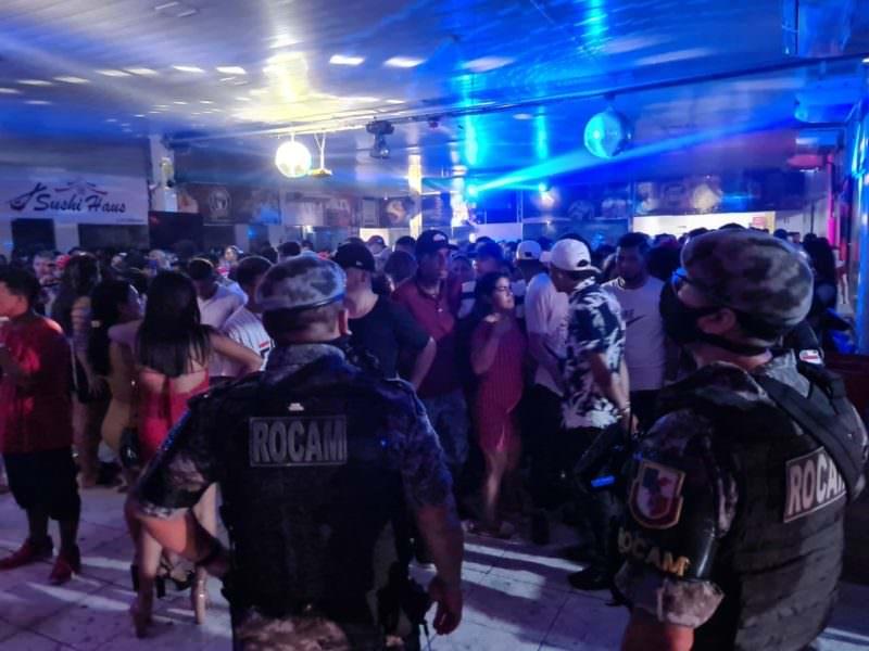 PM encerra festa clandestina com mais de 500 pessoas em Coari