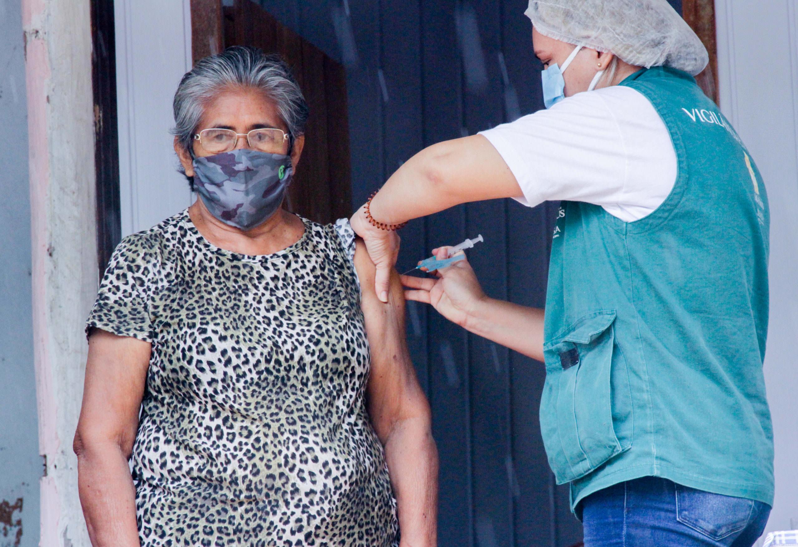 Prefeitura realiza vacinação da população ribeirinha nesta segunda-feira