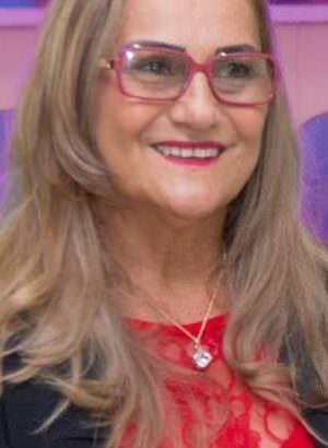 Prefeita deve explicar contratos suspeitos com empresas em Beruri