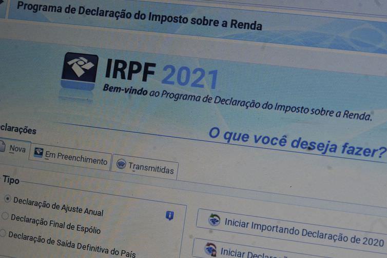 Declaração IR: prazo se encerra no final de maio e quase metade dos contribuintes ainda não declarou