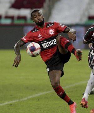Fluminense e Flamengo empatam em primeiro jogo da final do Carioca